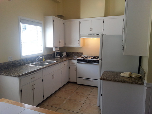 El Terado Townhomes - Kitchen